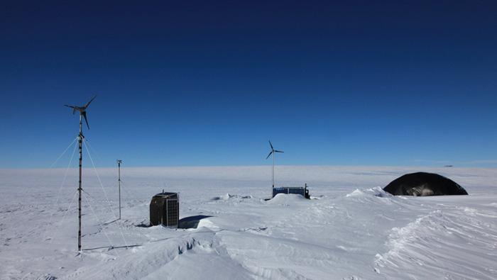 EB-Antarctic camp